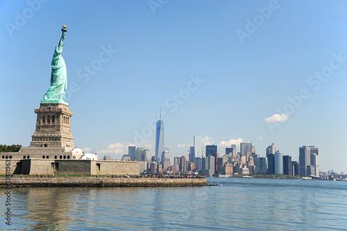 Recess Fitting Dubai Statue of Liberty on the island and New York Manhattan skyline