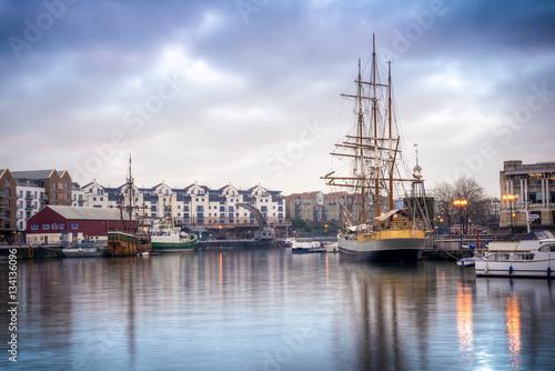 In de dag Schip Ships docked near Bristol's port