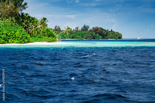Spoed Foto op Canvas Eiland Beautiful nature landscape of tropical island at daytime, Maldives