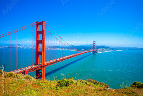Foto-Kassettenrollo premium - Golden Gate Bridge in San Francisco, California, USA - Daytime (von Lynn Yeh)