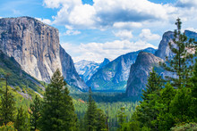 Tunnel View At Yosemite Nation...