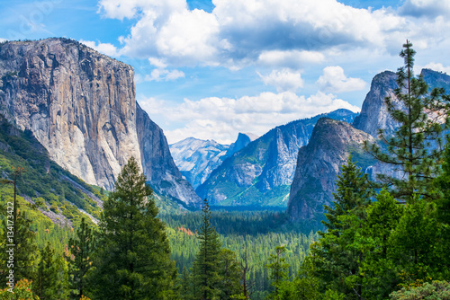 Photo  Tunnel View at Yosemite National Park Valley, California, USA