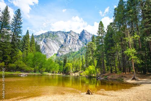 Valokuva  Cathedral Beach, Yosemite National Park, California, USA