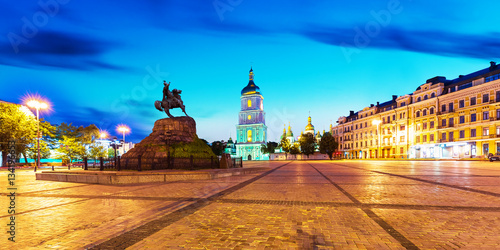 Tuinposter Kiev Evening scenery of Sofia Square in Kyiv, Ukraine