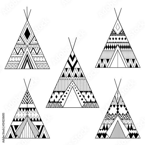 La pose en embrasure Style Boho Hand drawn American native wigwams set with ethnic ornamental el