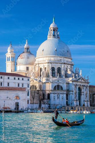 Photographie Grand Canal with gondola against Basilica Santa Maria della Salute in Venice, It