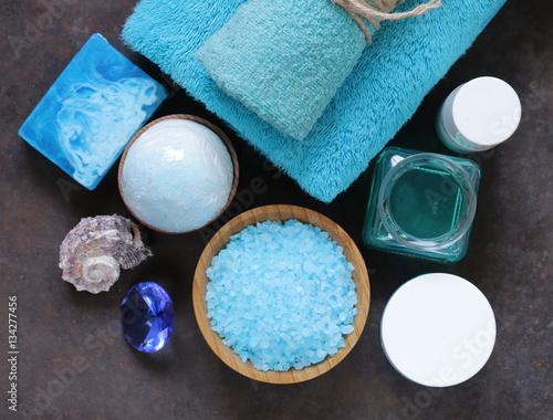 Papiers peints Spa Spa concept turquoise - soap, salt, cream, towel