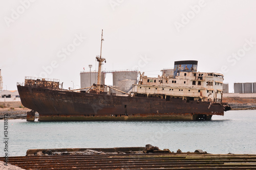Keuken foto achterwand Schip Abandoned Metal Rusty Ship