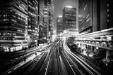 Hong Kong miasto przy nocą w Czarny I Biały - 134407216
