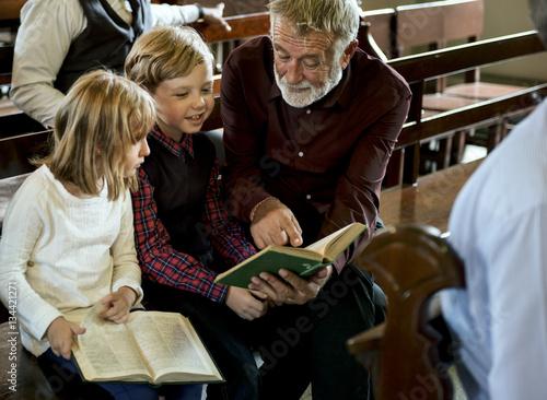 Fotografija Church People Believe Faith Religious Family