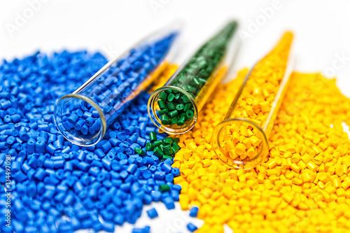 Fotografía  Polymeric dye. Colorant for plastics. Pigment in the granules.