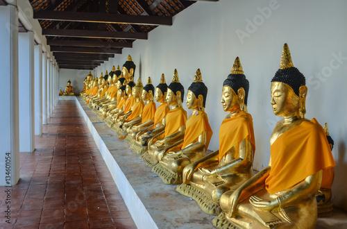 Fotografia  Phra Borommathat Chaiya Constructed along Mahayana Buddhist's beliefs of the 7th