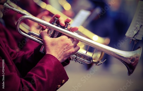 Stampa su Tela trumpeter plays his trumpet in the brass band