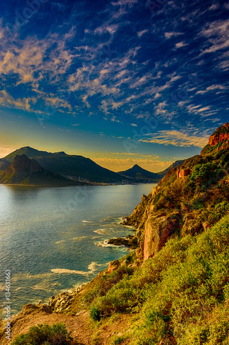 Foto  South Africa Hout Bay Cape Town golden hour scenic color,peaceful and romantic p