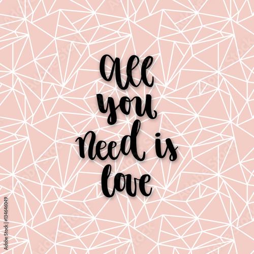 napis-all-you-need-is-love-na-tle-z-geometrycznych-ksztaltow