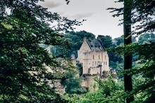 Blick Auf Die Burg In Larochette (Fels), Luxemburg