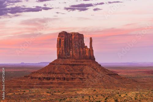 Foto op Aluminium Diepbruine overlook view of Monument valleys in the sunset,Arizona,usa.