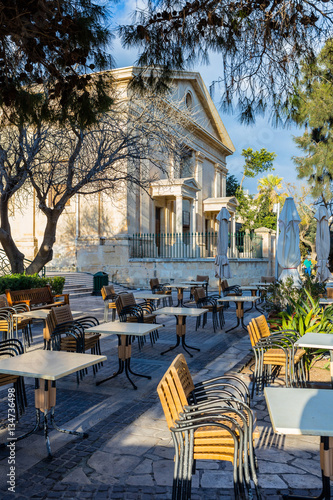 Poster  Malta, Valletta Barrakka Gardens - historic Stock Exchange Building - Parkside