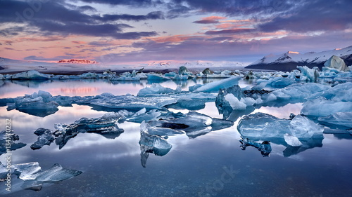 Poster Glaciers Iceland, Jokulsarlon lagoon, Beautiful cold landscape picture of icelandic glacier lagoon bay,