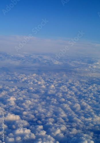 Fototapeta Fot. Konrad Filip Komarnicki / EAST NEWS Wlochy 18.08.2008 Widok z samolotu ponad morzem chmur. obraz