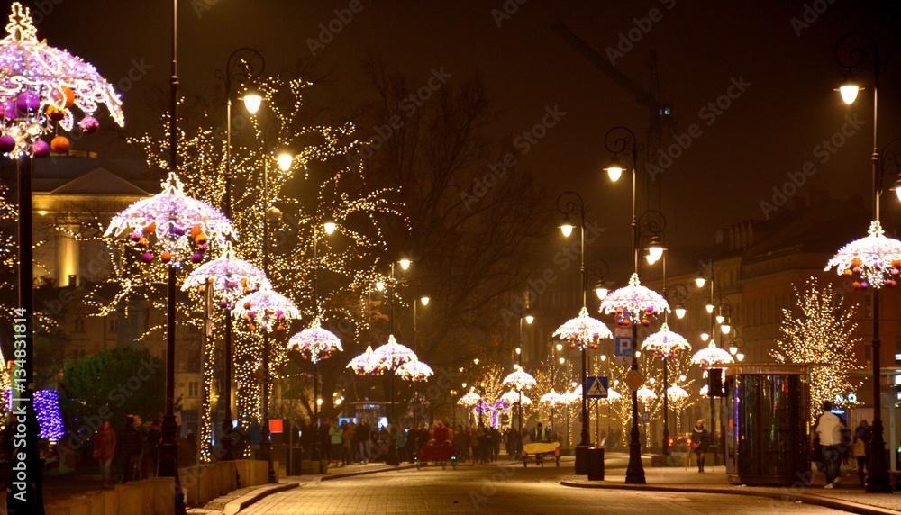 Fot. Konrad Filip Komarnicki / EAST NEWS Warszawa 12.12.2014 Swiateczna iluminacja Warszawy.