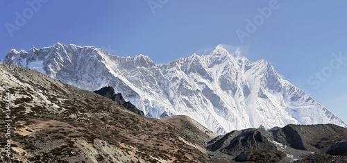 Valokuva Panoramic view of the Nuptse wall (top 7864 m) and Lhotse peak (8516 m) - Everes