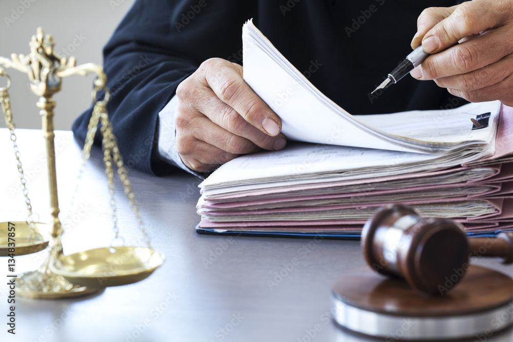 Fototapety, obrazy: Scales of justice with judge gavel on table