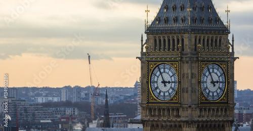Fotografia  Big Ben sous le soleil en gros plan, Londres