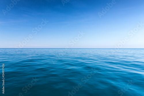 Foto op Plexiglas Zee / Oceaan sea background,deep blue water