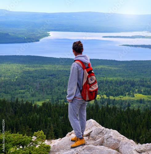 Fotografie, Obraz  The girl down the mountain