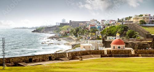 Foto auf Gartenposter Karibik Panorama of La Perla slum in old San Juan, Puerto Rico