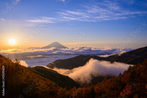 Photo Stands Eggplant 朝日と富士山