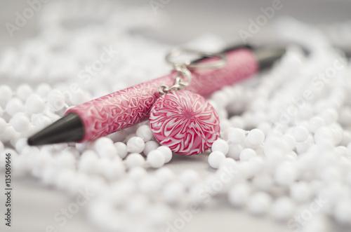 Fotografía  polymer clay pen and keychain