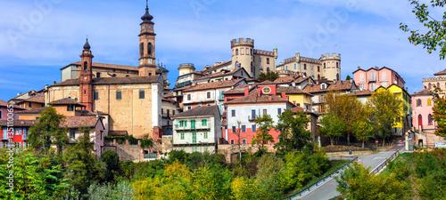 Photo Pictorial medieval village(borgo) Castiglione d'Asti in Piemonte