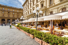Summer Street Cafe On Piazza D...