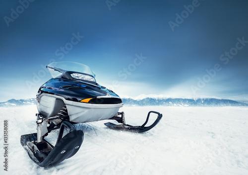 Photo  snowmobiles