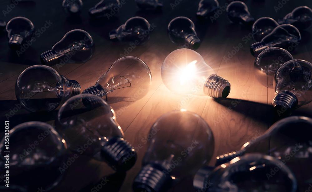 Fototapety, obrazy: hell leuchtende Glühbirne - Einfall und Ideenfindung