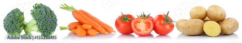 Papiers peints Légumes frais Gemüse Tomaten Kartoffeln Karotten Möhren in einer Reihe Freis