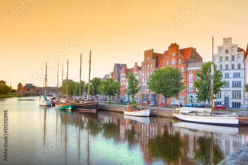 Spoed Foto op Canvas Poort Luebeck at the river trave, Germany