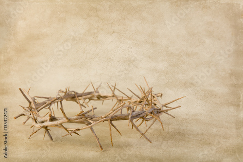Leinwand Poster Grunge backdrop with crown of thorns