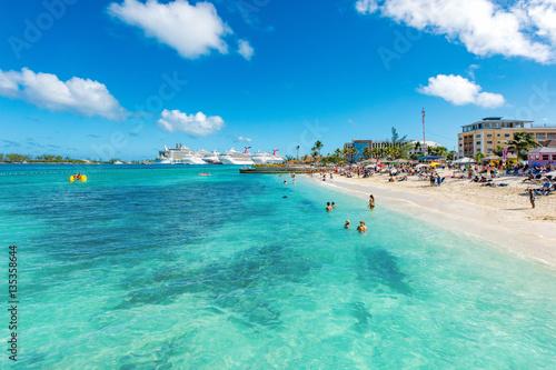 Photo Junkanoo Beach''s water is inviting in Nassau, Bahamas