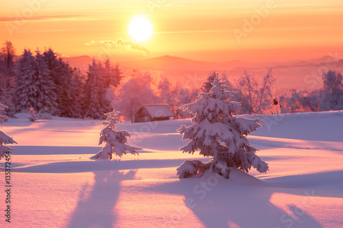 Tuinposter Lavendel Sunrise over a cold winter landscape