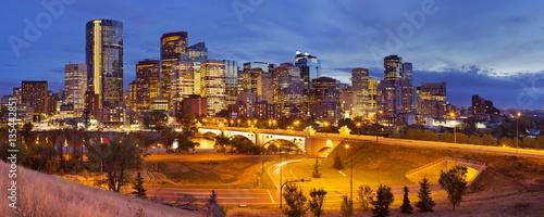 Spoed Foto op Canvas Canada Skyline of Calgary, Alberta, Canada at night