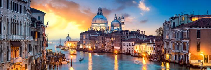 Fototapeta Miasto Nocą Venedig Panorama bei Sonnenuntergang