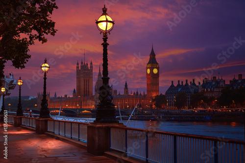 Montage in der Fensternische London London sunset skyline Bigben and Thames