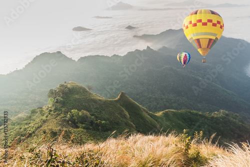 Poster Kaki balloon over fog and cloud mountain valley landscape