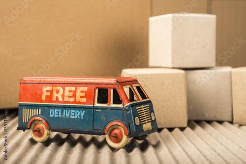 Fotografía  Free delivery van, vintage toy truck