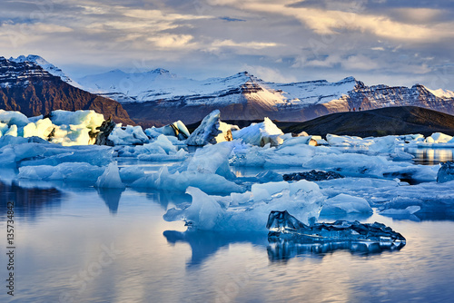 Iceland, Jokulsarlon lagoon, Beautiful cold landscape picture of icelandic glaci Wallpaper Mural