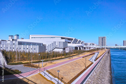 Tuinposter Stadion 豊洲水産卸売場と運河