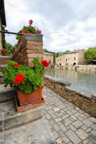 Deurstickers Toscane old thermal baths in the medieval village Bagno Vignoni, Tuscany